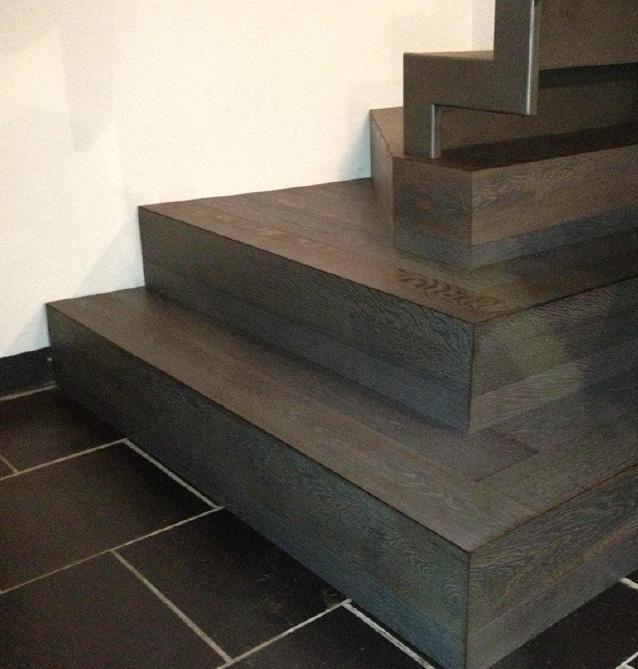 Scale in legno a Carrara