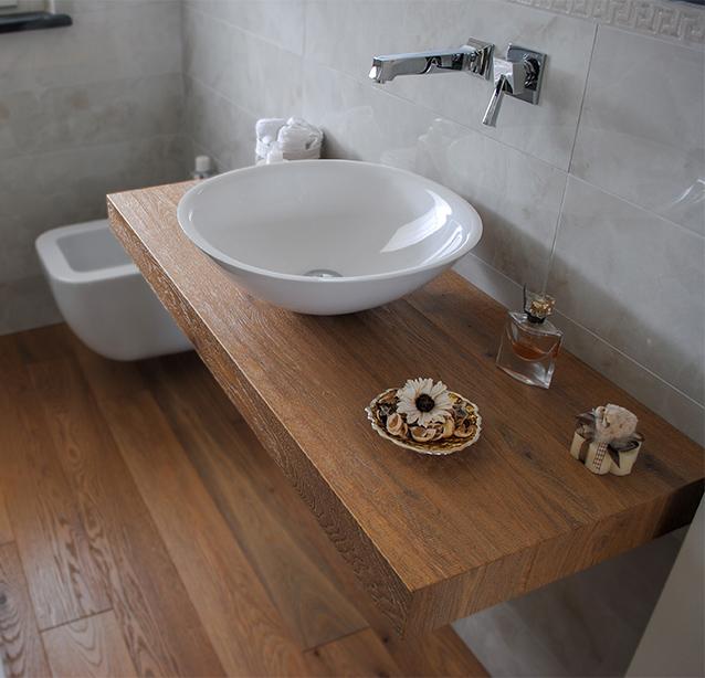 Mobile da bagno in legno