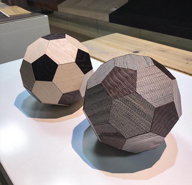 Palloni realizzati in legno